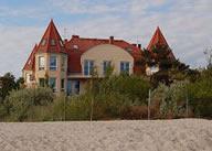 Villa del Mar - Sicht vom Strand mit der Ostsee im Rücken