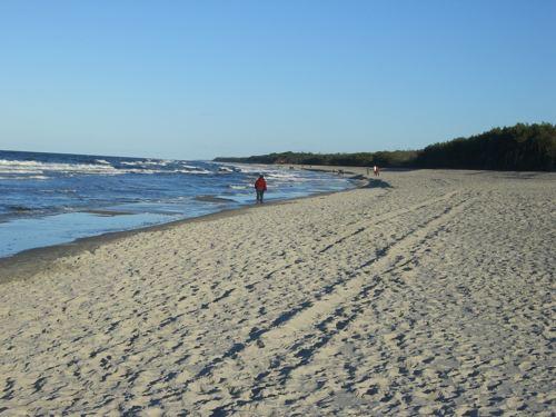Wandern am endlosen Ostseestrand
