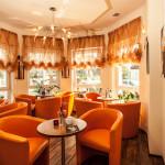 Das Cafe der Villa del Mar bietet den ganzen Tag Kaffeespezialitäten, selbst gebackene Kuchen und Torten, leckere Eisbecher und einiges mehr.